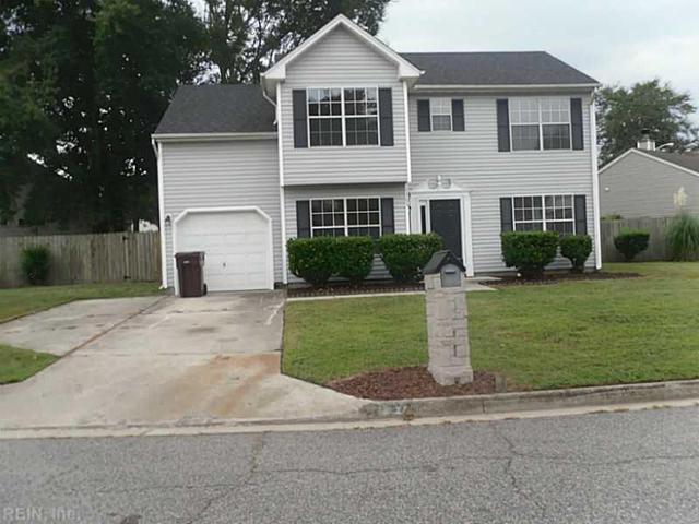 1303 Pinecroft Ln, Chesapeake, VA 23323