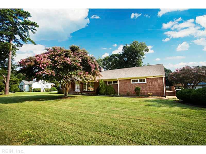 43 Mohawk Rd, Hampton, VA 23669