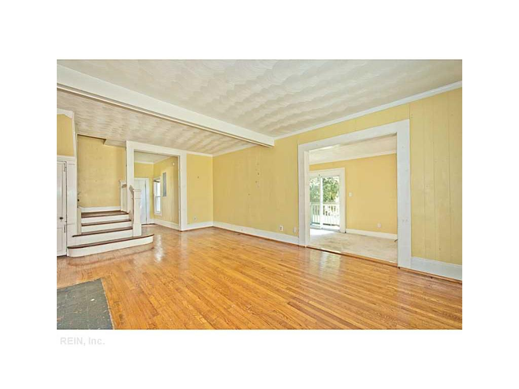 100 Greenbriar Avenue, Hampton, VA 23661