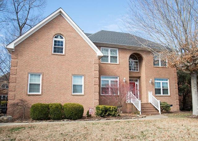 909 Harwich Dr, Chesapeake, VA 23322