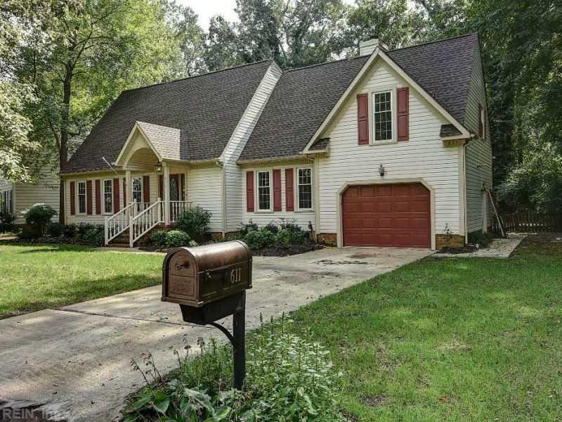 611 Pinecliffe Drive, Chesapeake, VA 23322