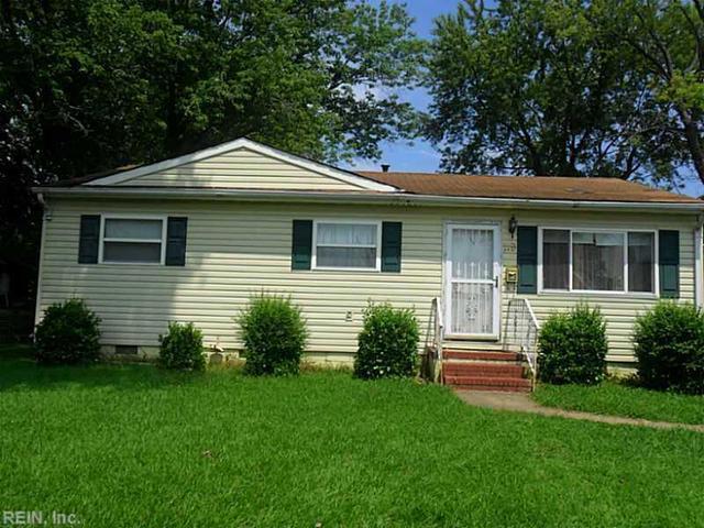 119 Phillips Ln, Newport News, VA 23602