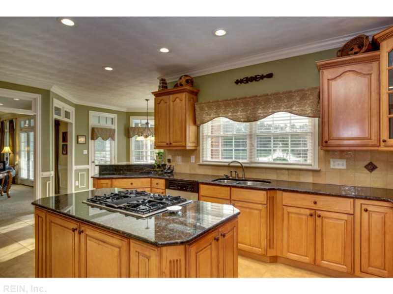 513 Thistley Ln, Chesapeake, VA 23322