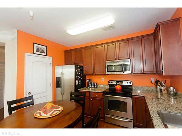 522 Knolls Dr #209, Newport News, VA 23602