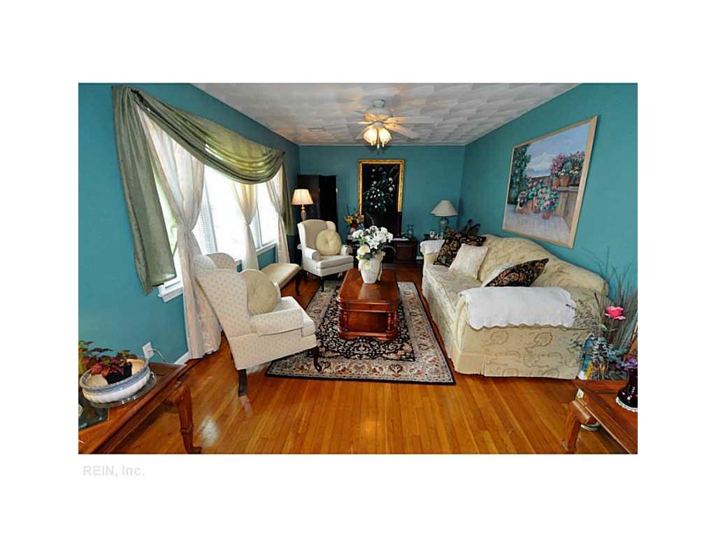 2328 Tapscott Avenue, Chesapeake, VA 23324