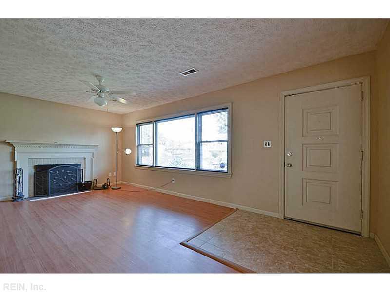 23 Markham Drive, Hampton, VA 23669