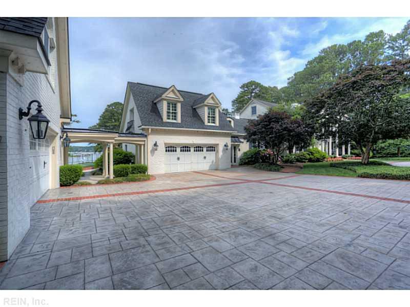 1609 Moores Lane, Virginia Beach, VA 23455