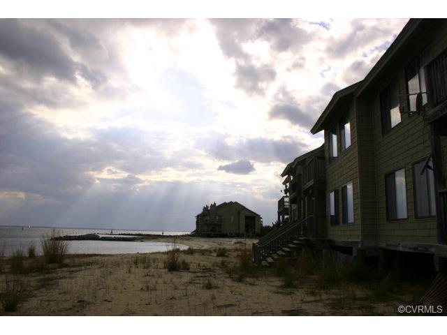 143 Beach Cove Villas Unit #143, White Stone, VA 22578
