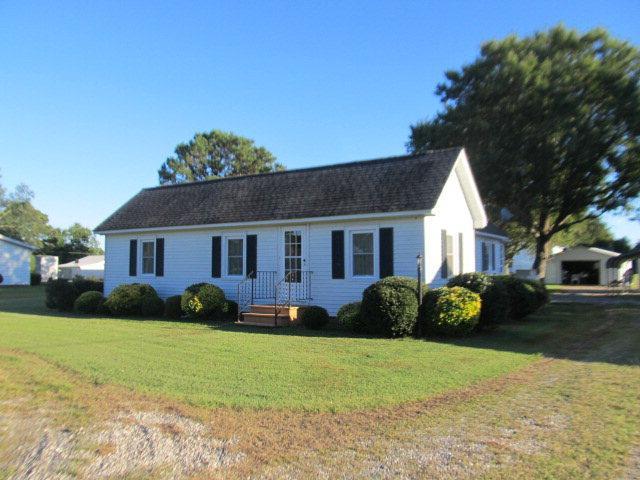 8660 E Guinea Rd, Hayes, VA 23072