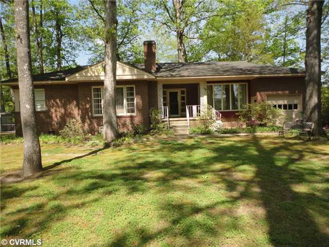 403 Springdale Ave, Colonial Heights, VA