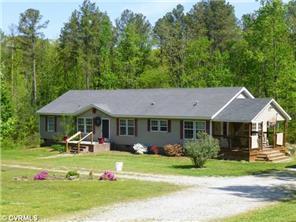 488 Lakeside Dr, Farmville, VA 23901