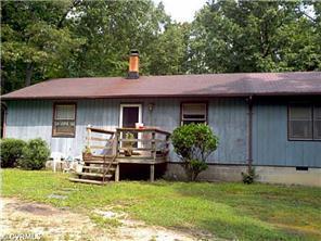 4836 Fox Lair Rd, Gum Spring, VA 23065