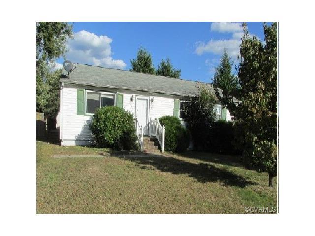 419 Pin Oak Dr, Hopewell, VA