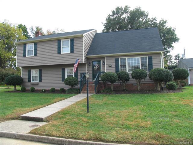 1355 Riveroaks Dr, Colonial Heights, VA