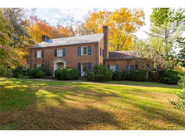26 Old Farm Rd, Charlottesville, VA 22903