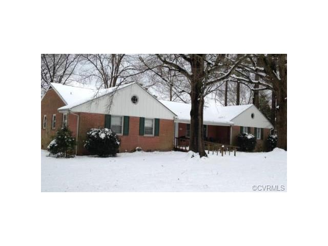 1015 Lakewood Dr, Colonial Heights, VA