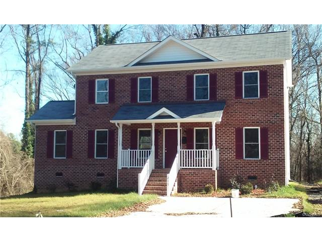 215 Crestwood Dr, Colonial Heights, VA