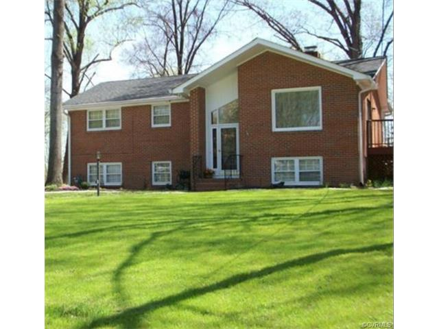 1321 Covington Rd, Colonial Heights, VA