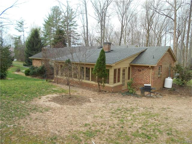 228 Fox Hill Road, Prince Edward, VA 23966