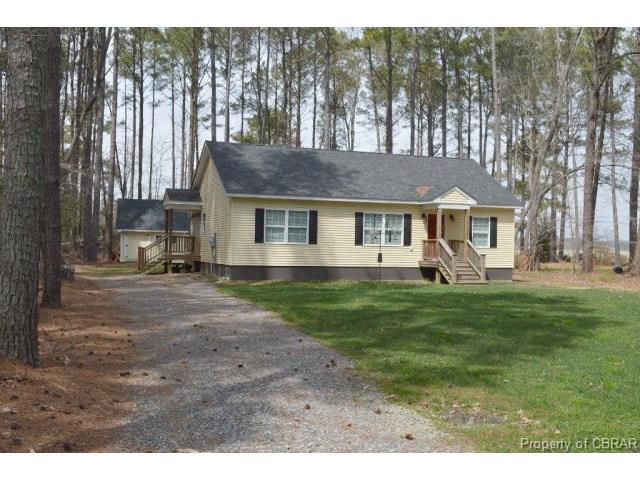 79 Lucon Point Dr, Northumberland, VA 22539