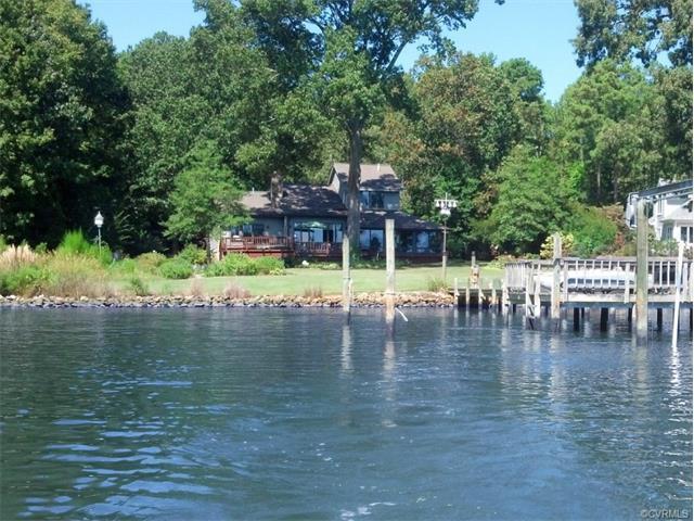 505 Skipjack Ln, Cobbs Creek, VA 23035