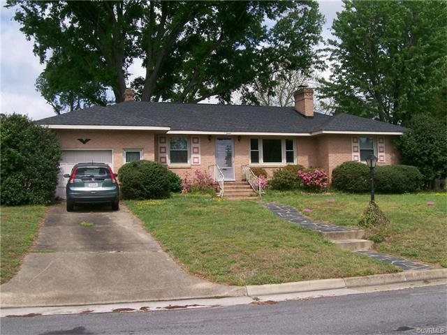 900 Lakewood Dr, Colonial Heights, VA