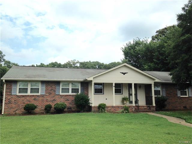 902 Dogwood Dr, Colonial Heights, VA 23834