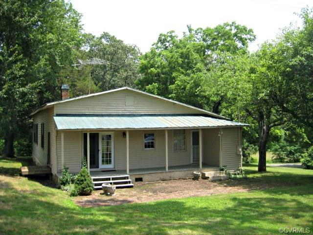 46 Washington Ave, Meherrin, VA 23954