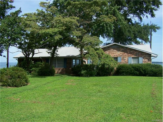 361 Brandon Point Rd, Locust Hill, VA 23092