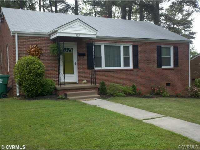 902 Hardy Ave, Colonial Heights, VA 23834