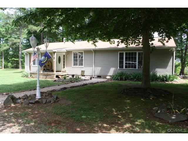 2560 Flat Rock Rd, Blackstone, VA 23824