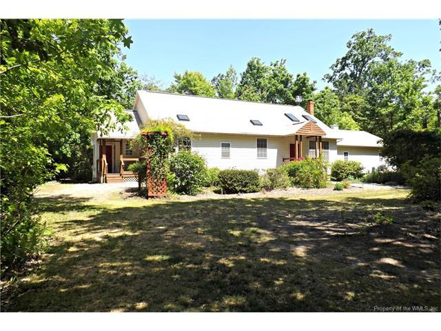 172 Moores Pointe Rd, Middlesex, VA 23043