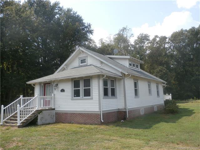 1404 Weems Rd, Weems, VA 22576