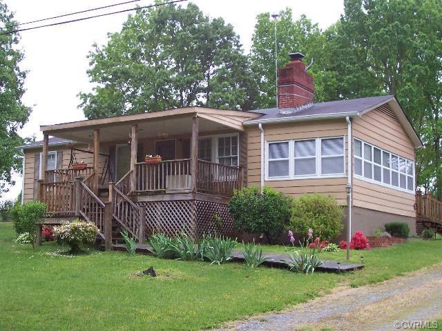 425 Halifax St, Phenix, VA 23959