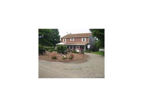 419 Bull Creek Dr, Lancaster, VA 22503