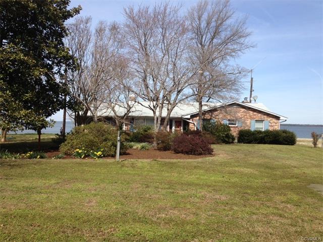 361 Brandon Point Rd, Locust Hill, VA 23092