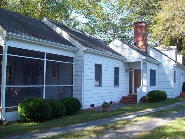 548 Main St, Mathews, VA 23109
