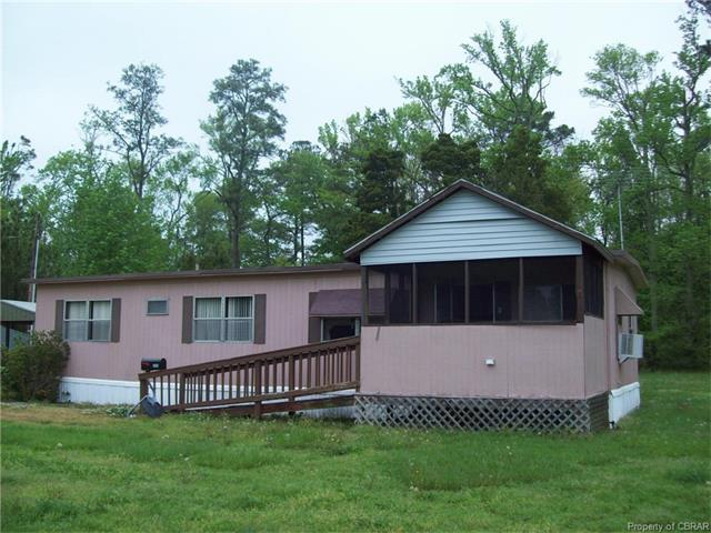 328 Dutchmans Rd, Mathews, VA 23163