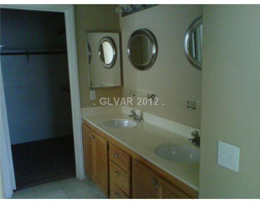 9925 Oriole Crest Ct, Las Vegas NV 89117