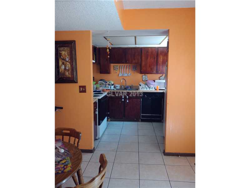 233 N 18th St #APT b, Las Vegas NV 89101