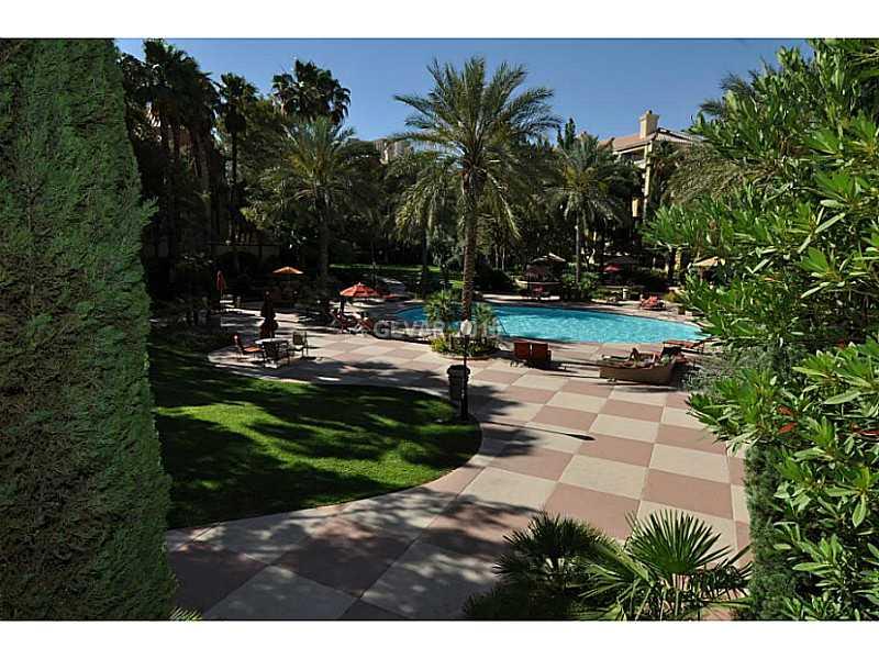 230 E Flamingo Rd #APT 129, Las Vegas, NV
