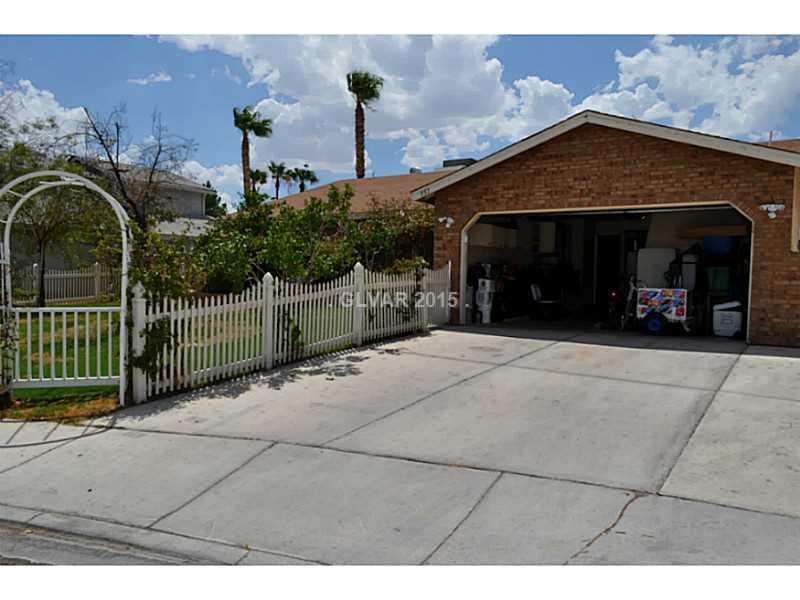 951 Stonehenge St, Las Vegas NV 89110