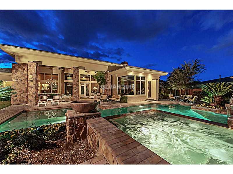33 Promontory Ridge Dr, Las Vegas, NV