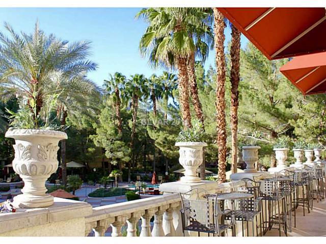 260 E Flamingo Rd #APT 120, Las Vegas, NV