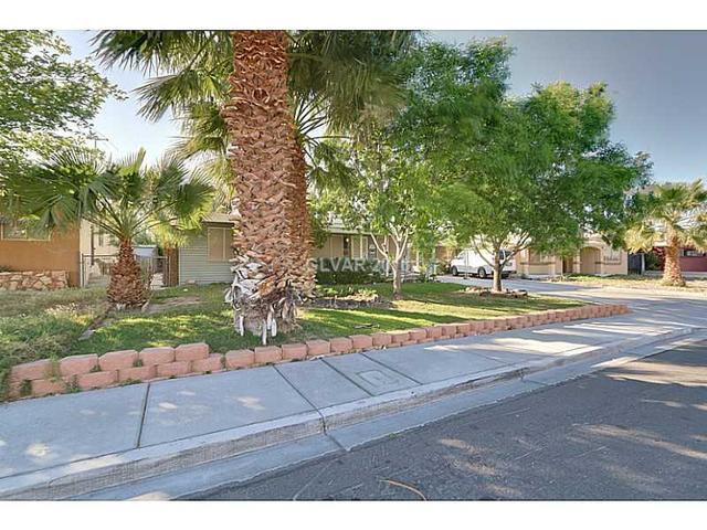 210 Circle Dr, Las Vegas NV 89101