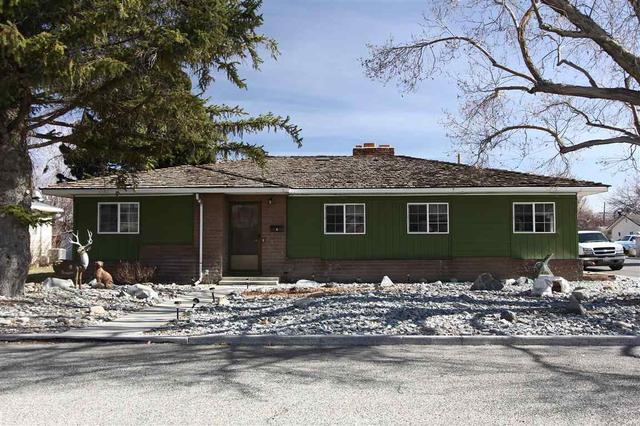 4 N Mountain View St, Yerington NV 89447