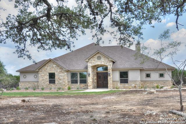 114 Hoskins Trl, Boerne, TX