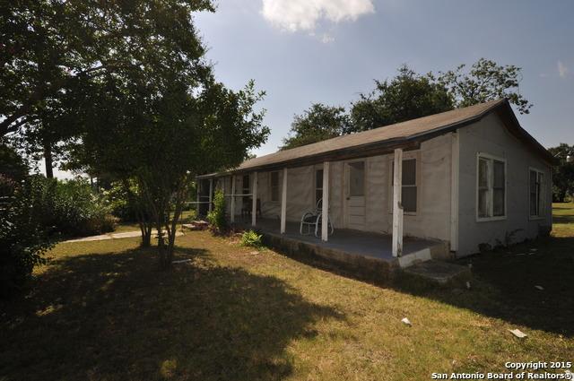 702 Fenfield Ave, San Antonio, TX