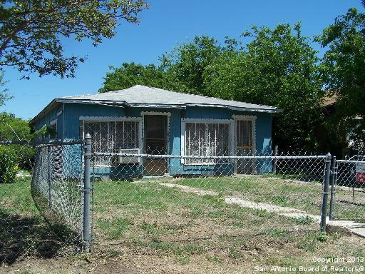 3923 W Travis St, San Antonio TX 78207