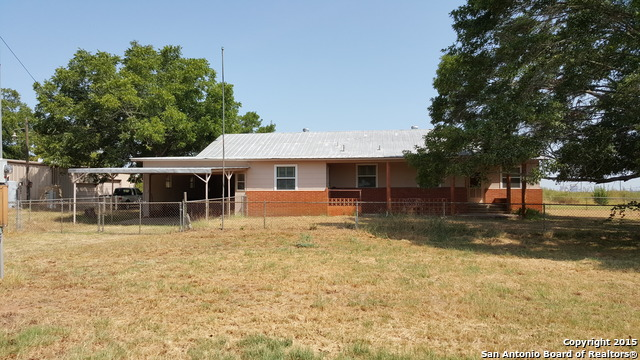 15637 Kilowatt Rd, Elmendorf, TX